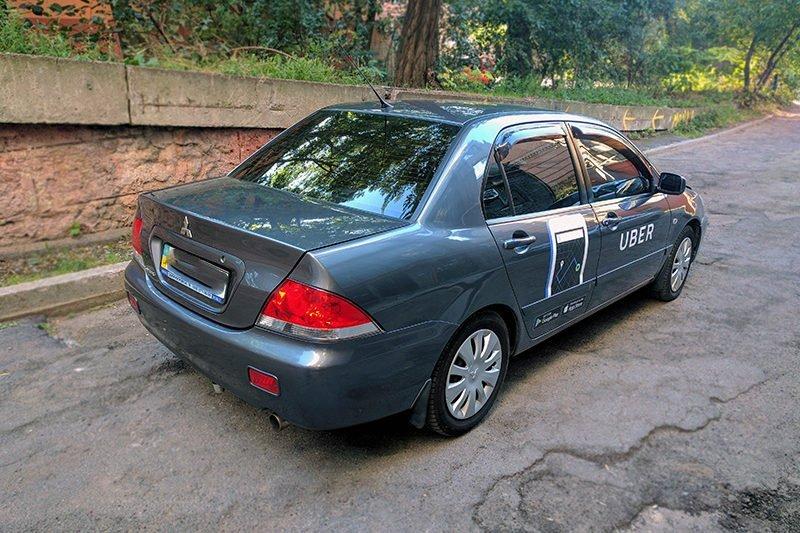 brendirovanie avto uber revolt
