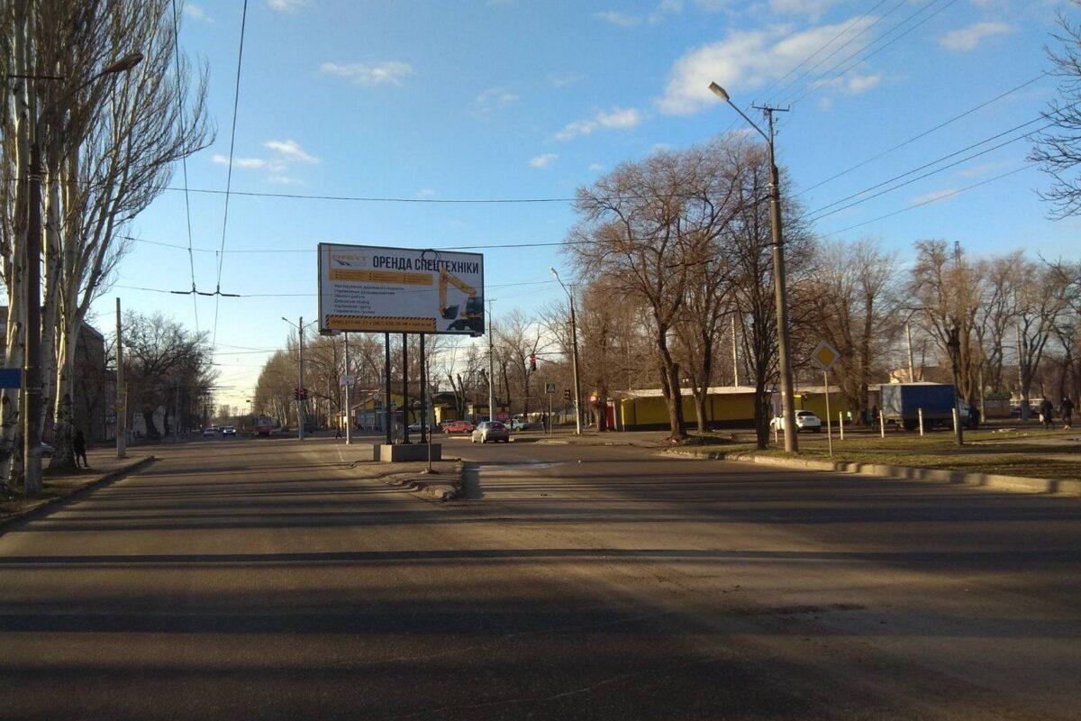naruzhnaya reklama billbordy transportnaya kompaniya vayt revolt krivoy rog