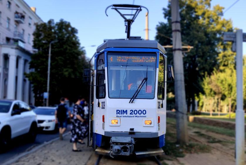Реклама на трамвае для РИМ2000